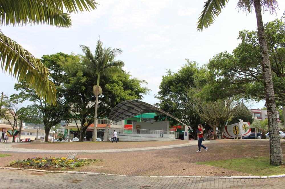 Praças e parques de Ituporanga vão ganhar lanchonetes