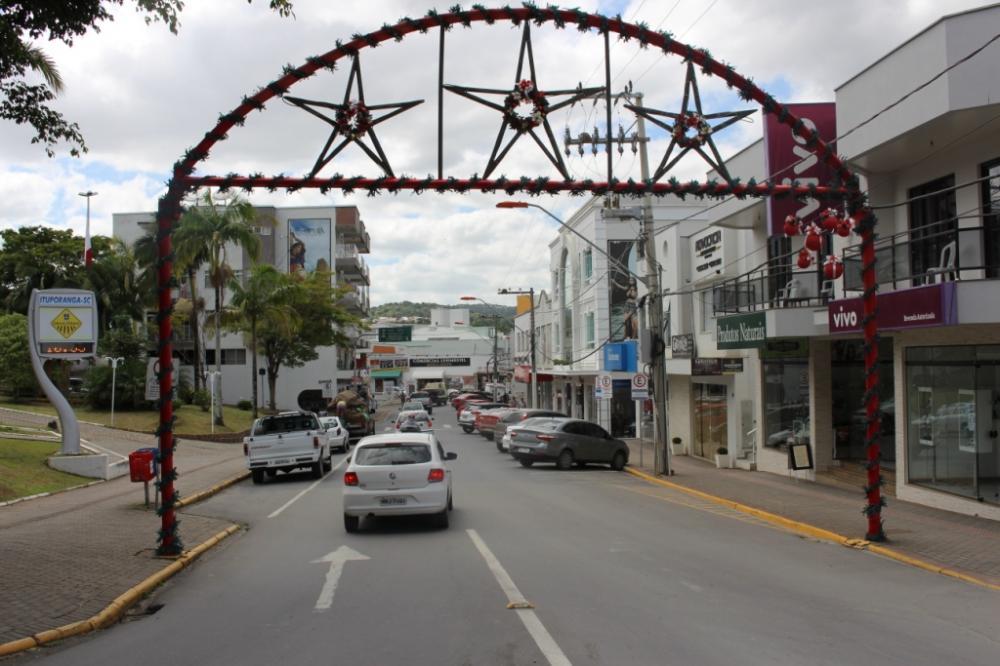 Sábado inicia horário especial do comércio de Ituporanga