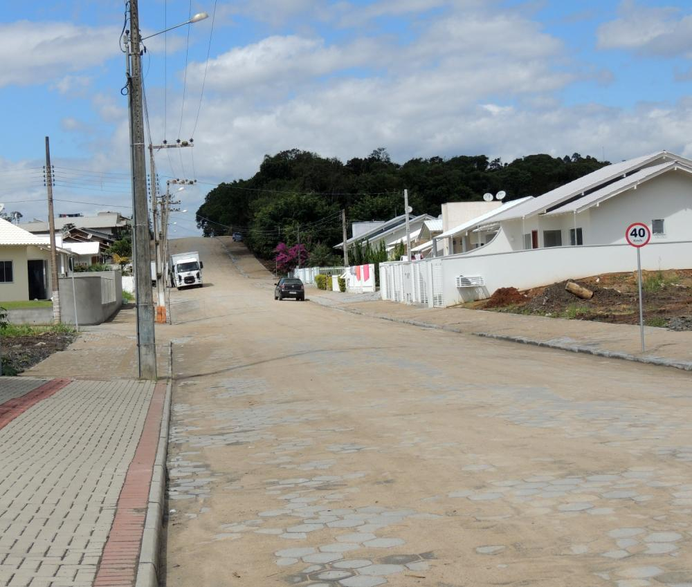 Prefeitura de Ituporanga conclui pavimentação da Rua Moacir José Lehmkuhl