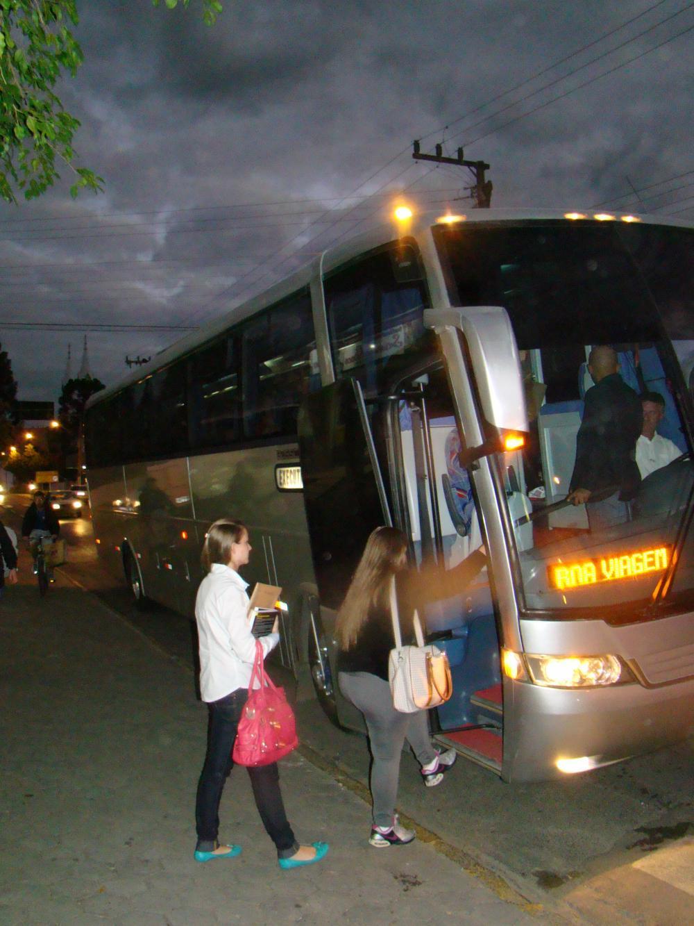Universitários devem apresentar documentação para solicitar auxílio transporte