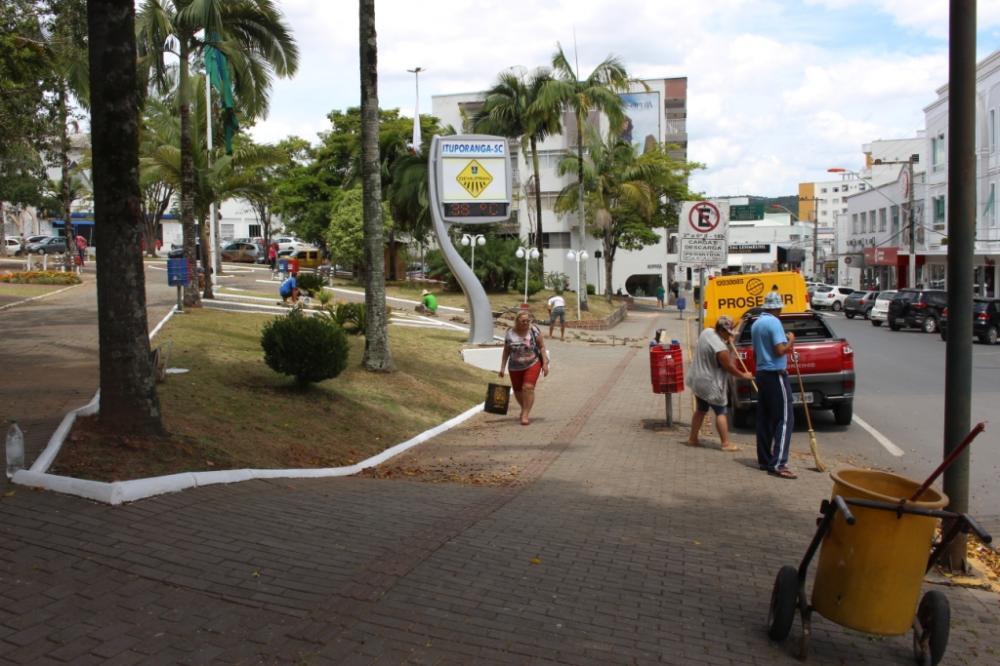 Limpeza da cidade é uma das prioridades em Ituporanga