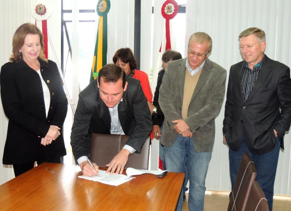 Prefeito Arno realiza mudanças no quadro de Secretários Municipais