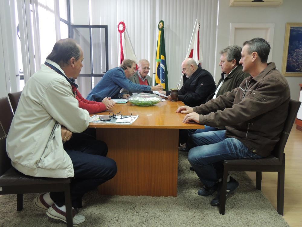 Prefeito de Ituporanga busca solução para falta d'água no município