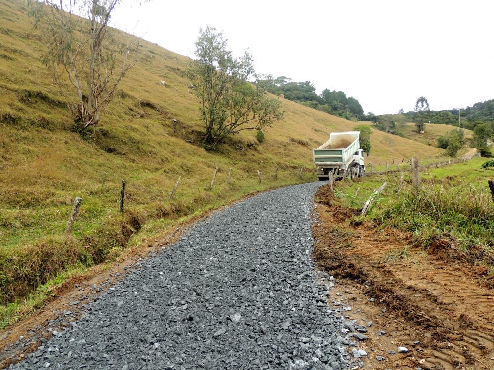 Estradas do interior de Ituporanga recebem melhorias