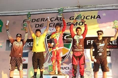 Atleta ituporanguense conquista título brasileiro no Downhill