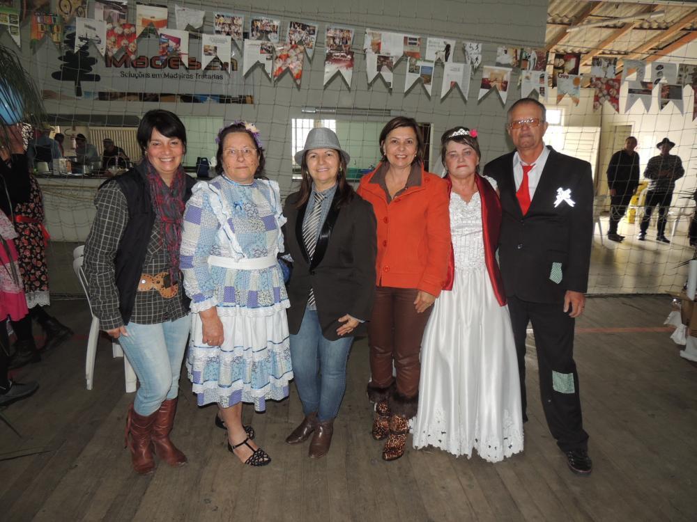 Arraia dos Idosos no Cerro Negro reúne mais de 300 pessoas
