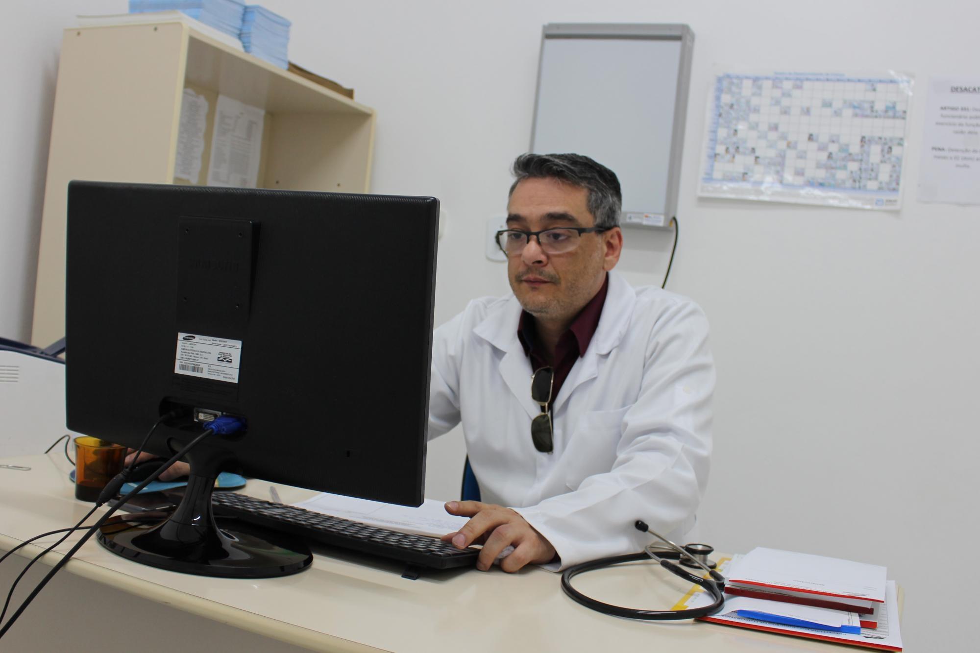 NOVO MÉDICO NA UNIDADE BÁSICA DE SAÚDE DO BAIRRO GABIROBA