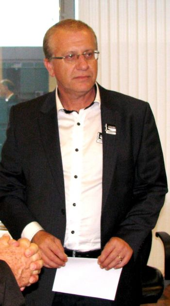 Prefeito Arno viaja a Brasília
