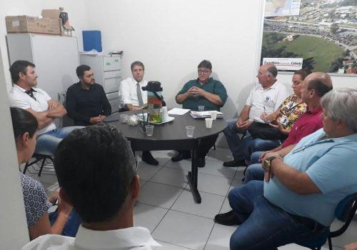Lideranças conhecem proposta para fábrica de cebola líquida