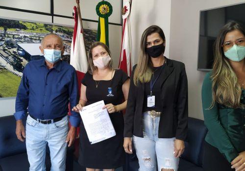 Administração de Ituporanga renova termo de colaboração com  Abrigo Mão Amiga