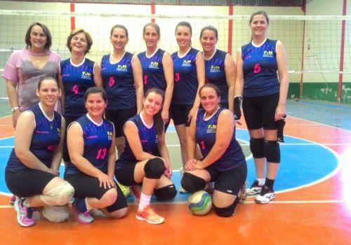 Quadrangular de Voleibol Feminino reúne equipes em Ituporanga