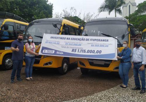 Frota do transporte escolar de Ituporanga recebe reforço de quatro novos veículos