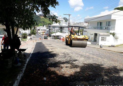 Obra em Andamento: Limpeza e Compactação da Rua Emílio Altemburg