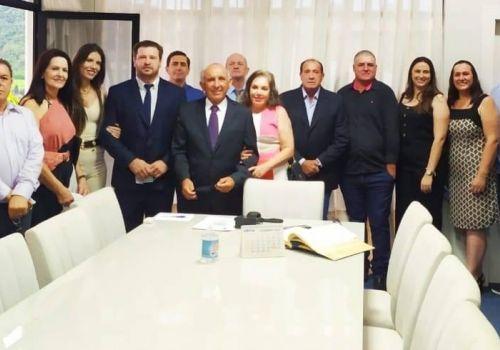 Prefeito Gervásio Maciel (PP) define secretariado