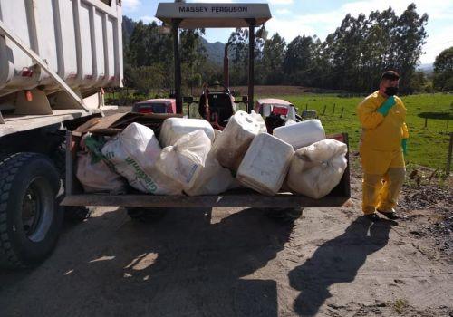 Segue nesta quinta (09) a Campanha de Recolhimento de Embalagens Vazias de Agrotóxicos em Ituporanga